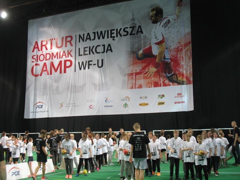 """ARTUR SIÓDMIAK CAMP – """"NAJWIĘKSZA LEKCJA WF"""""""